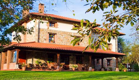 Alojamientos en santillana del mar hoteles apartamentos - Casas de pueblo en cantabria ...